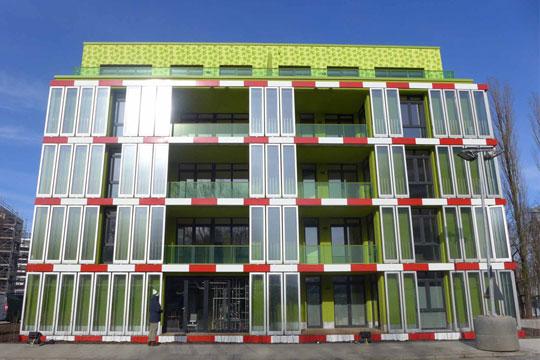 bio-intelligence-quotient-algen-gebouw